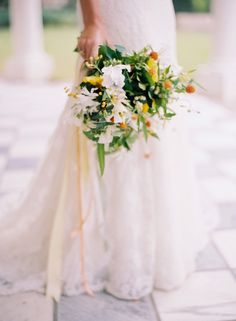 Bliss & Bokeh | William Aiken House | The Wedding Row | The Wedding Row bouquet by Gathering Events  photo by Elisa Bricker