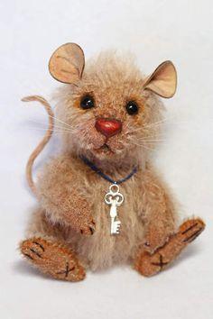 Scruffy the Little Mouse by Wayneston Bears