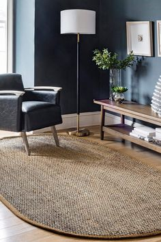 Best Farmhouse Rugs! Discover the top-rated farm style area rugs and rustic area rugs for your home. We absolutely love the country rugs that are listed in our store and you will love them too. Rustic Area Rugs, Farmhouse Area Rugs, Country Rugs, Country Farmhouse Decor, Traditional Area Rugs, Traditional House, Modern Decor, Rustic Decor, Decor Around Tv