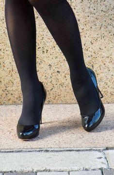 trabajo de pie de piernas de nylon