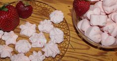 Strawberry Cloud Candy is based on the Cream Cheese Cloud recipe, popular in low carb circles. This makes a great sweet treat or fat bomb! / #lowcarb shared on https://facebook.com/lowcarbzen