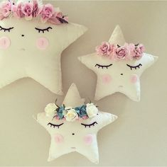 Petite star cushion with removable floral hair pins xo