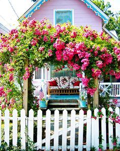 Gingerbread Houses–Oak Bluffs, Marthas Vineyard white picket fence with roses Garden Cottage, Cottage Homes, Home And Garden, Cottage Porch, Cute Cottage, Cottage Style, Yellow Cottage, Romantic Cottage, Shabby Cottage