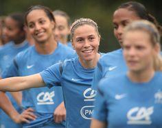 Camille Abily , milieu de terrain, équipe de France de Football Féminine. Photo F.F.F.