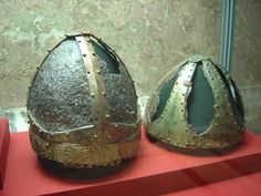 Ostrogothic helms from North Italy Kunsthistorisches Museum Vienna. Medieval Helmets, Medieval Weapons, Medieval Art, Larp, Kunsthistorisches Museum Wien, Gothic People, Merovingian, Viking Life, Early Middle Ages