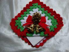 servilletero Christmas Crafts, Christmas Decorations, Xmas, Christmas Ornaments, Holiday Decor, Decor Crafts, Diy And Crafts, Crochet Pants, Christmas Knitting