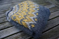 Ravelry: Project Gallery for Riddari pattern by Védís Jónsdóttir Fair Isle Knitting Patterns, Knitting Stitches, Knit Patterns, Hand Knitting, Norwegian Knitting, Icelandic Sweaters, Creative Textiles, Knit Or Crochet, Knitting Projects