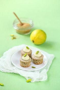 Verdade de sabor: Фисташковые мини-капкейки с лаймом и шоколадной крошкой / Mini cupcakes de pistáchio com lima e chocolate ralado