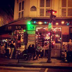 Rue de Douai by night