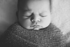 Newborn Photography, Baby Photo Session, Photoshoot, Studio BW Photography