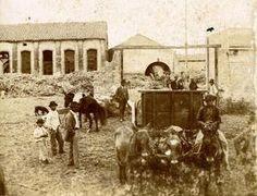 1890- Tucumán, Argentina. Trabajadores en un ingenio azucarero, fines del siglo XIX