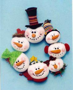 Snowmen wreath. Cute!
