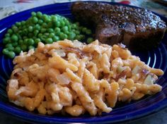 Swiss Spaetzle (Very Easy Homemade Noodle) Homemade spaetzle are quick to prepare and really very go Homemade Egg Noodles, Homemade Pasta, Swiss Recipes, Canadian Recipes, Noodle Recipes, Pasta Recipes, Casserole Dishes, Casserole Recipes, Macaroni And Cheese