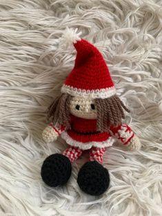 Freue mich, euch diesen Artikel aus meinem Shop bei #etsy vorzustellen: Kleine Weihnachtselfen - Häkelanleitung pdf schnell gemacht, Wichtel, Elfenpaar, Weihnachtself, Christbaumschmuck, Weihnachtsdeko, häkeln Christen, Crochet Hats, Christmas Ornaments, Holiday Decor, Etsy, Christmas Elf, Secret Santa, Christmas Tree Decorations, Christmas Tree
