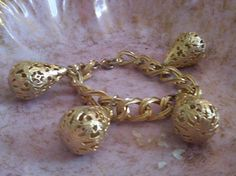 Gorgeous vintage gold toned bracelet.. You know we love some bobbles.. A fabulous vintage find..   $65