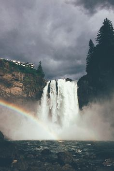 basdos: Snoqualmie Falls  Tomahawkusa