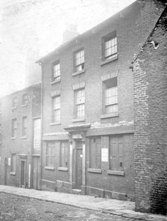 No. 5, Holly Street, situated between the portion of Trippet Lane and Bow Street, demolished to make way for street improvements, was originally the King William Inn