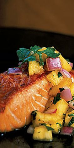 Pan-Grilled Salmon with Pineapple Salsa  - Simple calorie-burning recipes to lose weight fast