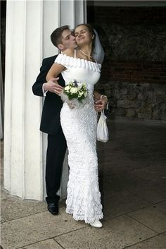 Crochet Wedding Dresses, Wedding Gowns, Crochet Poncho, Filet Crochet, Knit Dress, Dress Skirt, Crochet Fashion, Crochet Clothes, Dress Patterns