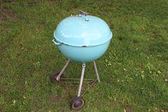 VINTAGE 1963 GLEN BLUE IMPERIAL WEBER KETTLE GRILL #Weber Weber Bbq, Weber Grills, Barbecue Grill, Grilling, Weber Kettle, Cast Iron Dutch Oven, Backyard Bbq, Charcoal Grill, Aqua