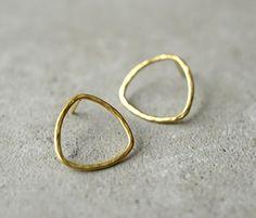 round wire minimalist earrings
