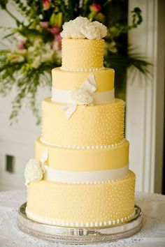 Yellow, Ribbons, Roses | Wedding Cake | Kevin Milz Photography