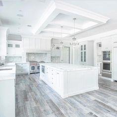 Luxury Kitchen Design, Best Kitchen Designs, Luxury Kitchens, Cool Kitchens, Modern Kitchens, White Kitchens Ideas, White Kitchen Designs, Large Kitchen Design, Kitchen Ceiling Design