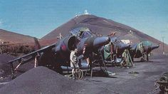 The Harrier of No 1 Squadron arrived prior to loading onto the Atlantic Conveyor, practically filling the already crowded pan. Ww2 Aircraft, Fighter Aircraft, Aircraft Carrier, Fighter Jets, Military Jets, Military Aircraft, Close Air Support, Old Planes, Falklands War