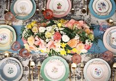 Boho bridal shower | Styled Shoots | 100 Layer Cake | Photography: Braedon Photography /  Planning, Design & Styling: Sterling Social / Florals: JL Designs / Furniture & Props: Found Vintage Rentals / Tabletop: Casa de Perrin