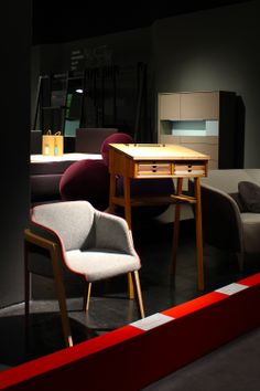 Chevalet chair by Gaber and Sixtematic standing desk by Sixay at Interior Innovation Award 2014 /// Interiorator