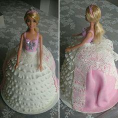 Barbie Ballgown Birthdaycake by TaartateliervanRoos
