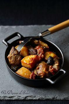 Agneau + pdt + tomate au four : fait, c'est facile (long à cuire) et très bon, viande presque confite et pdt fondantes
