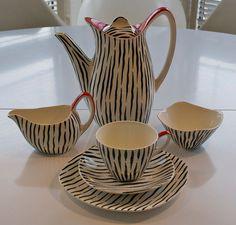 Midwinter Zambesi Coffee Set 1956 - How to identify and vintage ceramics Vintage China, Vintage Love, Vintage Decor, Retro Vintage, Vintage Kitchen, Vintage Style, Ceramic Design, Ceramic Art, Cute Teapot