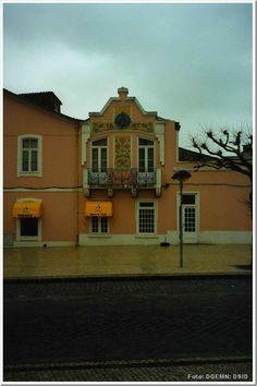 Fachada em azulejo do edificio rua tenente valadim - povoa do varzim