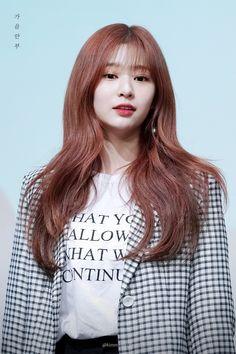 코리안탑걸-김민주 18장 Mamamoo, Kpop Girl Groups, Kpop Girls, Snsd, Red Velvet, Secret Song, Japanese Girl Group, Famous Girls, Na Jaemin