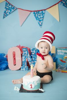 Cat in the hat first birthday Dr. Seuss cake smash Cake Smash photography by Abba Color Photography www.abbacolorphotography.com facebook.com/abbacolor Newborn Photographer Houston Maternity Photographer Houston Baby Photographer Houston Family Photographer Houston