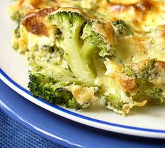 Learn how to prepare Baked Broccoli and Cauliflower. Tear the broccoli and the cauliflower into florets. Cauliflower Cheese, Broccoli Cauliflower, Cauliflower Recipes, Vegetarian Recipes, Cooking Recipes, Mozzarella, Potato Salad, Good Food, Low Carb