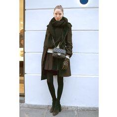 ロングコートやファージャケット。パリの最新スナップより、気になるアウターをチェック。 ( page 7 ) | VOGUE