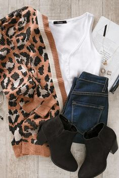 Fun leopard cardigan outfit idea for fall! with leopard make the perfect statement look for a casual, weekend outfit. Pair it with a plain white body con, dark wash jeans and black booties. Also a cute outfit with though high boots! Ankle Boots Outfit Fall, Jeans Outfit Winter, Winter Outfits, Casual Outfits, Cute Outfits, Fashion Outfits, Casual Clothes, Casual Wear, Fashion Trends