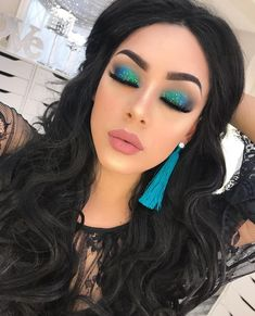 39 make-up tutorials for a great look this year - Make up . - Make-UP - Augenmakeup Glam Makeup, Blue Eye Makeup, Makeup Inspo, Makeup Eyeshadow, Makeup Inspiration, Makeup Tips, Hair Makeup, Makeup Ideas, Eyeshadows