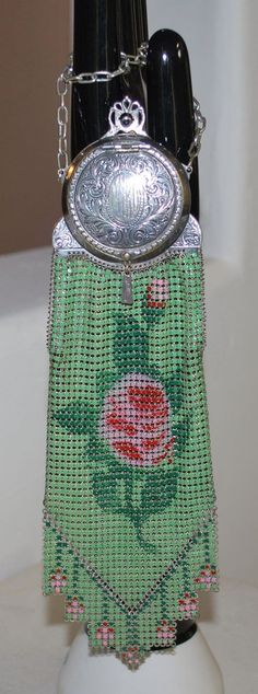 """Ruby Lane notes""""very rare"""" I am guessing Victorian, due to all the silver. Whiting and Davis Piccadilly Compact Purse Enamel Mesh Bag Vintage Purses, Vintage Bags, Vintage Handbags, Vintage Outfits, Vintage Fashion, Beaded Purses, Beaded Bags, Art Nouveau, Silver Purses"""