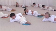 From yoga to dance for kids - cool down sequence Yoga For Kids, Exercise For Kids, Childrens Yoga, Baby Yoga, Mindfulness For Kids, Brain Gym, Yoga Dance, Relaxing Yoga, Yoga Tips