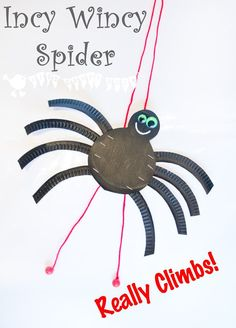 An adorable paper plate Incy Wincy / Itsy Bitsy Spider craft that actually climbs! Fun for Halloween and to bring the nursery rhyme to life!