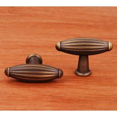 This antique english finish cabinet knob with large indian drum design from RK International is a perfect blend of craftsmanship in traditional and contemporary design to complement any decor.