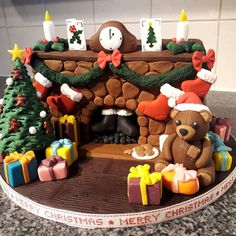 Christmas Fireplace Cake by clvmoore on DeviantArt Christmas Bake Off, Christmas Treats, Christmas Baking, Christmas Diy, Xmas, Christmas Cake Designs, Christmas Projects, Christmas Decorations, Diy Christmas Shadow Box