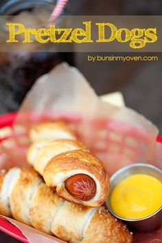 Homemade Pretzel Dogs - just like Auntie Anne's! What a delicious homemade pretzel recipe! Appetizer Recipes, Snack Recipes, Cooking Recipes, Snacks, Appetizers, I Love Food, Good Food, Yummy Food, Tasty