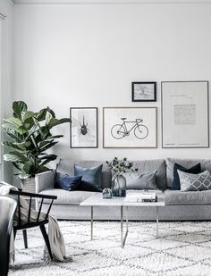Grey Small Living Room Apartment Designs to Look Amazing - Salon Decor Small Apartment Living Room, Living Room Designs, Apartment Design, Living Room Grey, Home Decor, House Interior, Living Room Furniture, Room Design, Apartment Decor