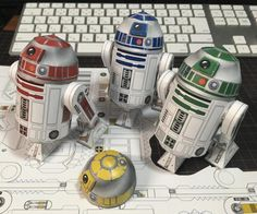 By Japanese designer Shunichi Makino , here is a nice R2D2 papercraft series , from Star Wars universe . You will find five different mode...