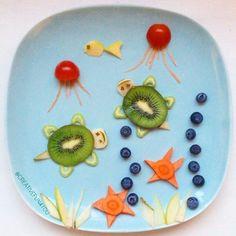 creative fun with food Food Art For Kids, Fun Snacks For Kids, Kids Meals, Children Food, Kid Snacks, Fruits For Kids, Kids Fruit, Bento Kids, Creative Snacks