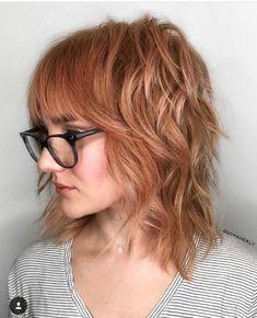 29 Chic Shag Haircut For a Trendy Look in This Year - Hair Styles Modern Shag Haircut, Medium Shag Haircuts, Short Shag Hairstyles, Hairstyles With Bangs, Glasses Hairstyles, Pixie Haircuts, Curly Shag Haircut, Office Hairstyles, Anime Hairstyles